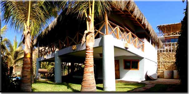 La terraza mancora peru for Casa con piscina para dos personas