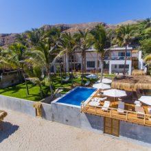 Casa Mykita, a orillas del mar en playa Pocitas, Máncora