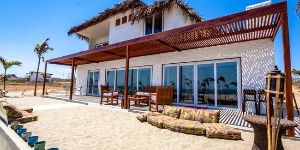 Casa Pura Vida, located on a virgin beach between Mancora and Punta Sal