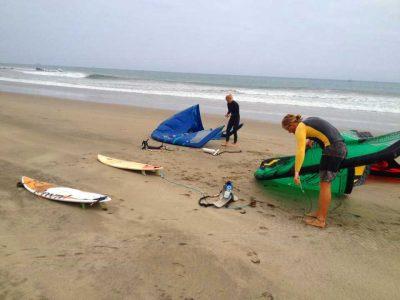 Kitesurfers en Cabo Blanquillo con Safari Olas