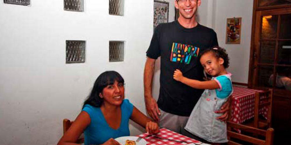 Pizzería Volentieri vuelve a Máncora con las mejores pizzas a leña!